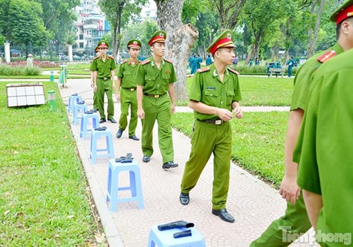 Xem chiến sĩ cảnh sát tập luyện với súng ngắn hiện đại - ảnh 14