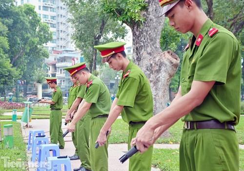 Xem chiến sĩ cảnh sát tập luyện với súng ngắn hiện đại - ảnh 6