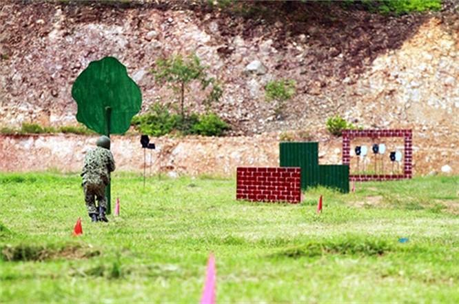 Lính đặc công luyện tập tác chiến chống khủng bố ảnh 4