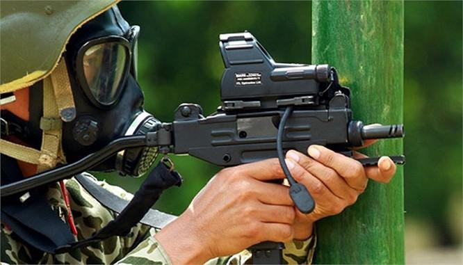 Lính đặc công luyện tập tác chiến chống khủng bố ảnh 5