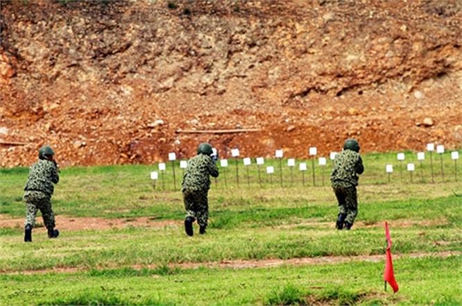 Lính đặc công luyện tập tác chiến chống khủng bố ảnh 6