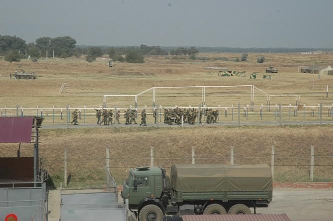 Đột nhập lữ đoàn Bộ binh cơ giới số 18 quân đội Nga ảnh 13