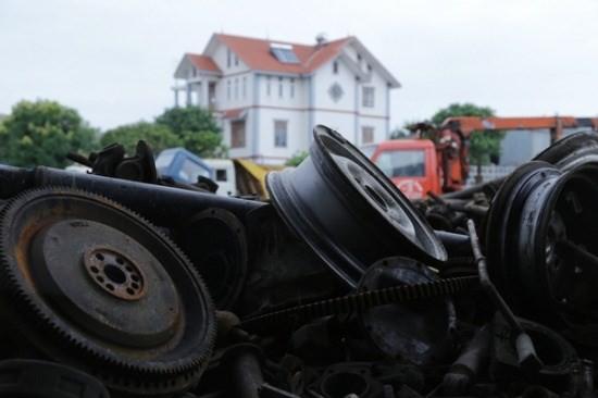"""""""Nghĩa địa xe ô tô"""" của những tỷ phú ở Bắc Giang ảnh 11"""