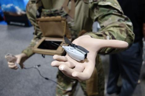 UAV siêu nhỏ Black Hornet: 'Đồ chơi' mới của lính thủy đánh bộ Mỹ ảnh 4
