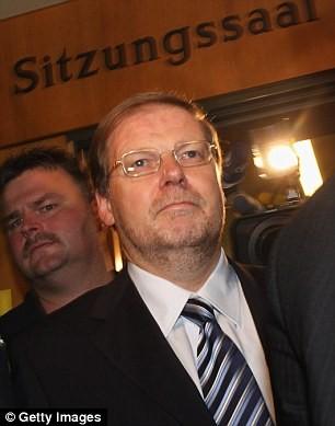 Tổ chức tiệc sex, hối lộ chính khách, Volkwagen thêm bê bối ảnh 5