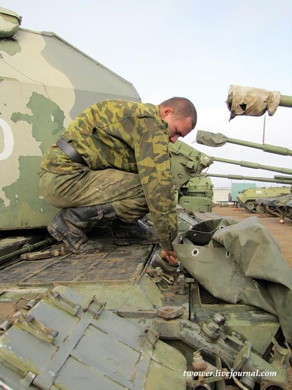 Đột nhập ngày kỹ thuật lữ đoàn bộ binh cơ giới số 20 Nga ảnh 10