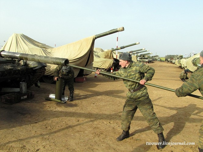 Đột nhập ngày kỹ thuật lữ đoàn bộ binh cơ giới số 20 Nga ảnh 60