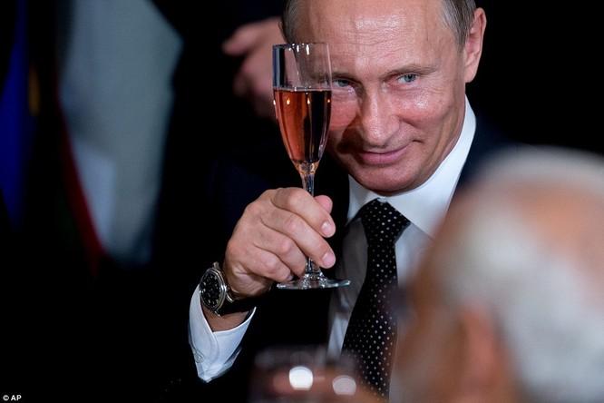 """Putin """"đấu súng"""" với Obama tại Liên Hiệp Quốc ảnh 4"""