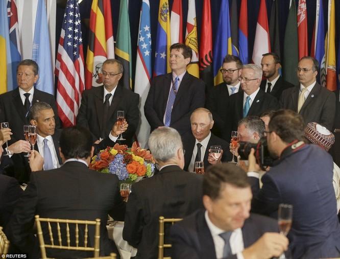 """Putin """"đấu súng"""" với Obama tại Liên Hiệp Quốc ảnh 7"""