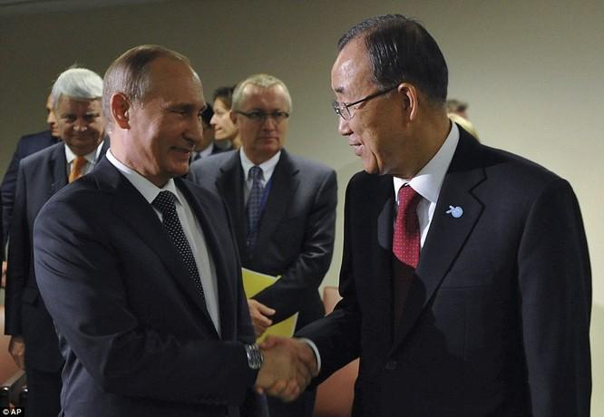 """Putin """"đấu súng"""" với Obama tại Liên Hiệp Quốc ảnh 8"""
