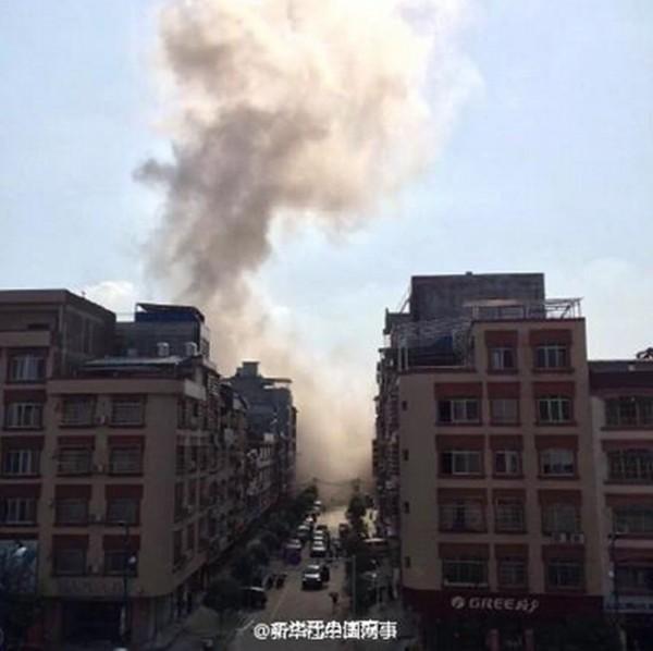 Bom nổ liên tiếp 17 địa điểm tại Trung Quốc, nhiều tòa nhà sập ảnh 15