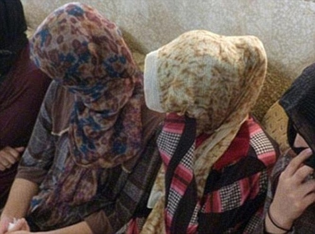 Nô lệ tình dục tiết lộ gây sốc về tư lệnh khủng bố IS ảnh 2