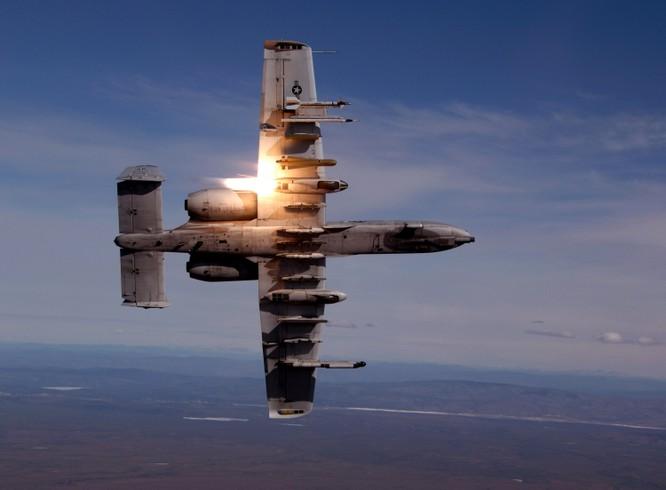 Su-30SM Nga đuổi A-10 Mỹ ra khỏi không phận Syria ảnh 1