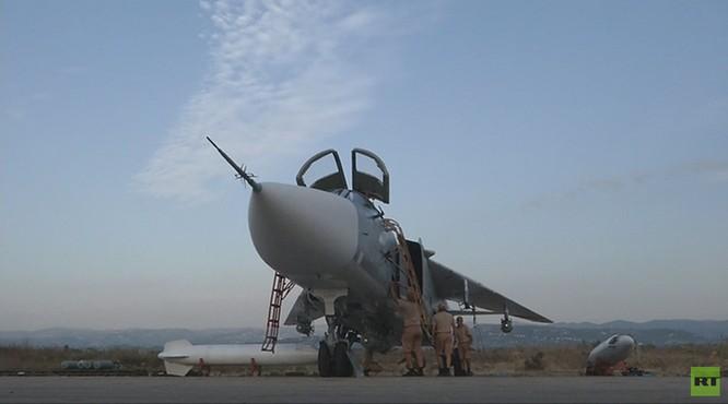 Đột nhập căn cứ không quân Nga ở Latakia ảnh 4