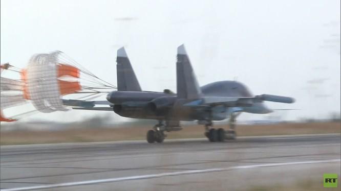Đột nhập căn cứ không quân Nga ở Latakia ảnh 6