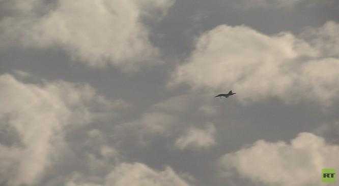 Đột nhập căn cứ không quân Nga ở Latakia ảnh 9