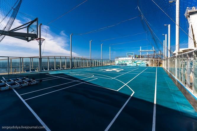 Tàu du lịch lớn nhất hành tinh Allure of the Seas ảnh 4
