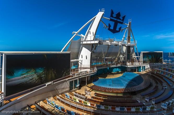 Tàu du lịch lớn nhất hành tinh Allure of the Seas ảnh 11