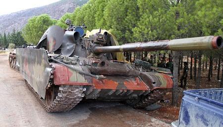 Binh sĩ Syria đã cắm cờ chiến thắng trên thị trấn Al'-Bakhchoy ảnh 3