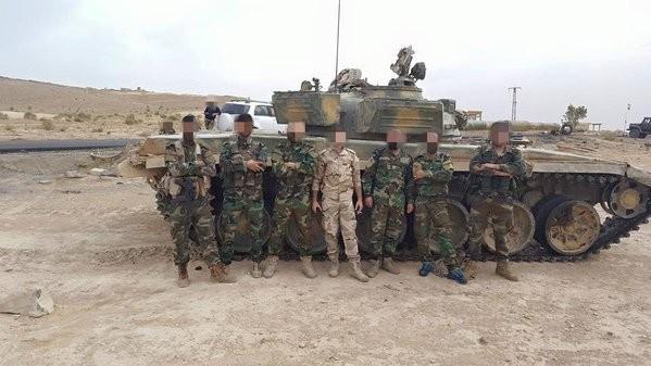 Chùm ảnh: Cuộc chiến ác liệt ở Syria ngày 25.10 ảnh 12