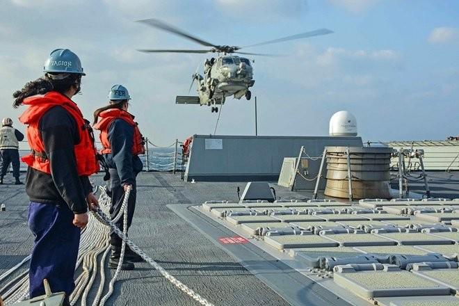 Khu trục hạm Mỹ đang tiến sát đảo nhân tạo, Trung Quốc phản ứng mạnh ảnh 9