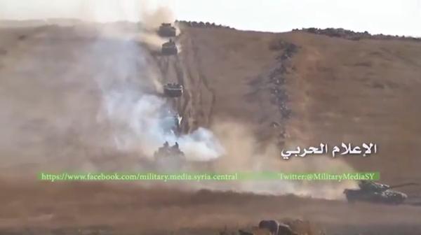 Chiến trận giằng co ác liệt giữa quân đội Syria và chiến binh IS, en - Nursa ảnh 15