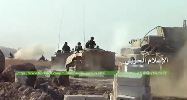 Chiến trận giằng co ác liệt giữa quân đội Syria và chiến binh IS, en - Nursa ảnh 16