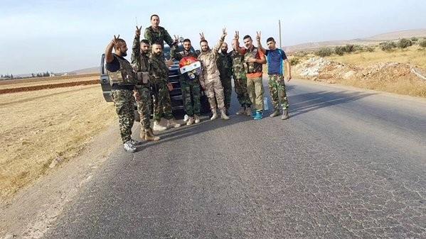 Chiến trận giằng co ác liệt giữa quân đội Syria và chiến binh IS, en - Nursa ảnh 17