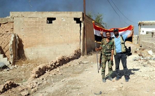Chiến trận giằng co ác liệt giữa quân đội Syria và chiến binh IS, en - Nursa ảnh 20