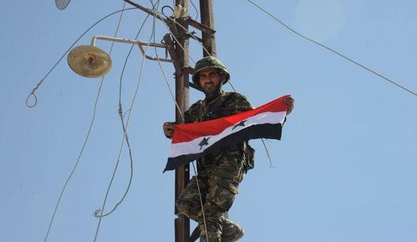 Chiến trận giằng co ác liệt giữa quân đội Syria và chiến binh IS, en - Nursa ảnh 21