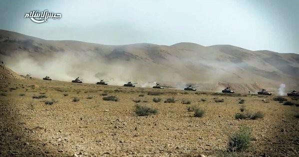 Chiến trận giằng co ác liệt giữa quân đội Syria và chiến binh IS, en - Nursa ảnh 22