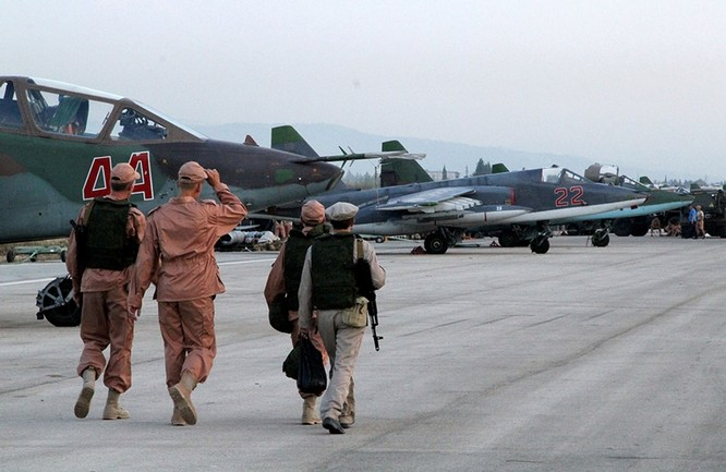 Đột nhập căn cứ không quân Nga ở Syria ảnh 1