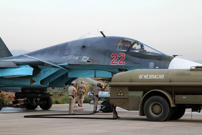 Đột nhập căn cứ không quân Nga ở Syria ảnh 15