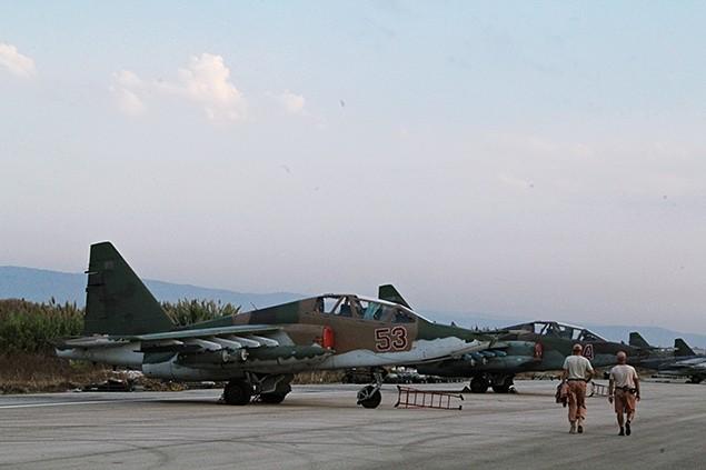 Đột nhập căn cứ không quân Nga ở Syria ảnh 19