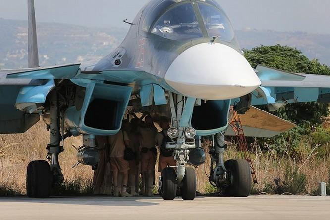 Đột nhập căn cứ không quân Nga ở Syria ảnh 23