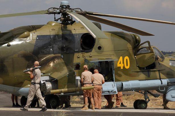 Đột nhập căn cứ không quân Nga ở Syria ảnh 37