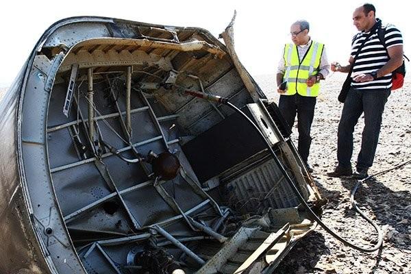Tại hiện trường tai nạn A321 có những vật thể lạ ảnh 14