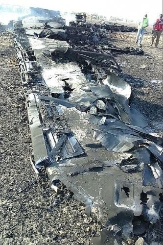 Tại hiện trường tai nạn A321 có những vật thể lạ ảnh 33