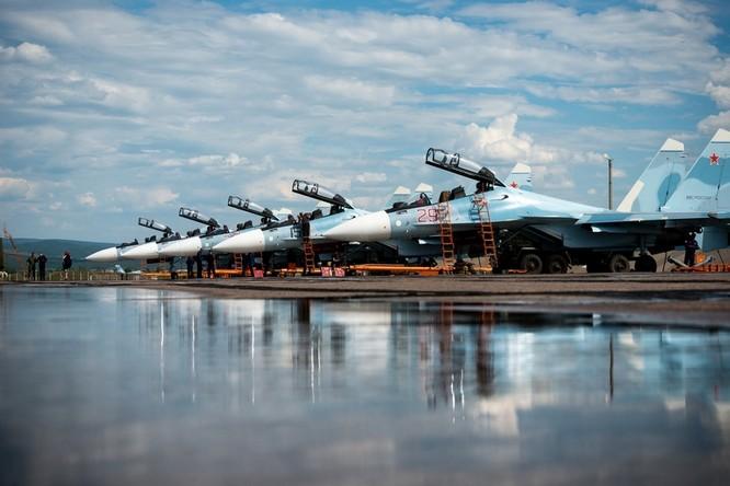 Một ngày trong căn cứ không quân chiến lược Nga ảnh 1