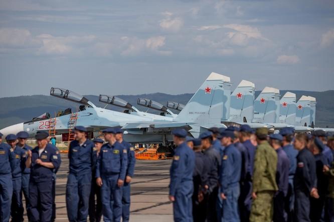 Một ngày trong căn cứ không quân chiến lược Nga ảnh 2