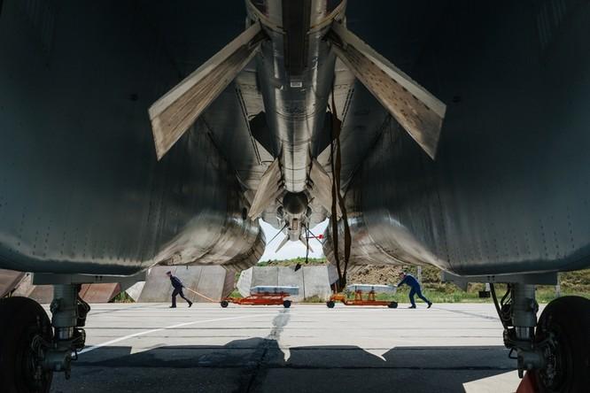 Một ngày trong căn cứ không quân chiến lược Nga ảnh 5