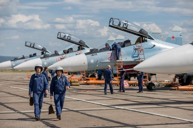 Một ngày trong căn cứ không quân chiến lược Nga ảnh 6