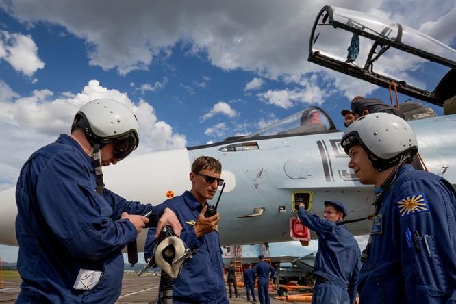 Một ngày trong căn cứ không quân chiến lược Nga ảnh 8