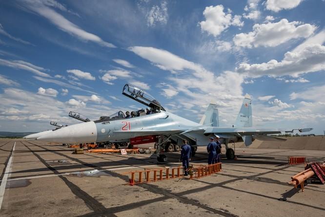 Một ngày trong căn cứ không quân chiến lược Nga ảnh 11