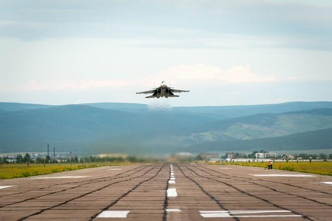 Một ngày trong căn cứ không quân chiến lược Nga ảnh 14