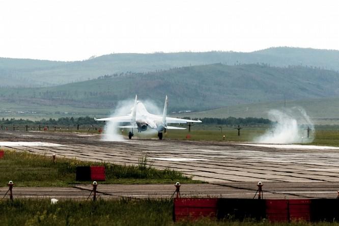 Một ngày trong căn cứ không quân chiến lược Nga ảnh 15