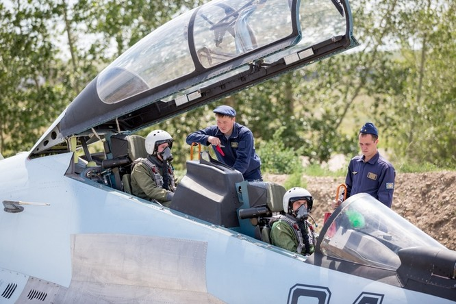 Một ngày trong căn cứ không quân chiến lược Nga ảnh 24