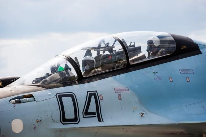 Một ngày trong căn cứ không quân chiến lược Nga ảnh 26