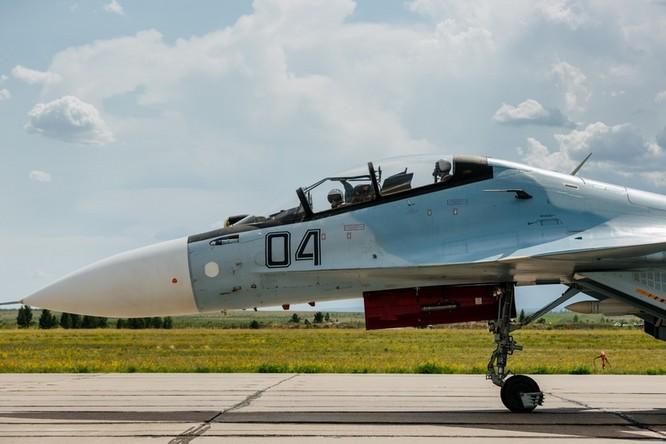 Một ngày trong căn cứ không quân chiến lược Nga ảnh 29
