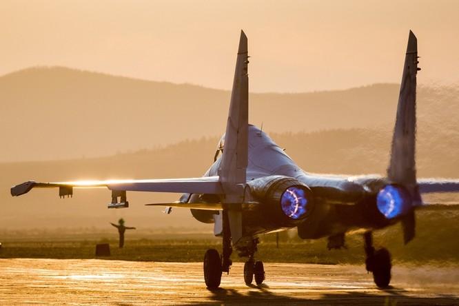 Một ngày trong căn cứ không quân chiến lược Nga ảnh 32